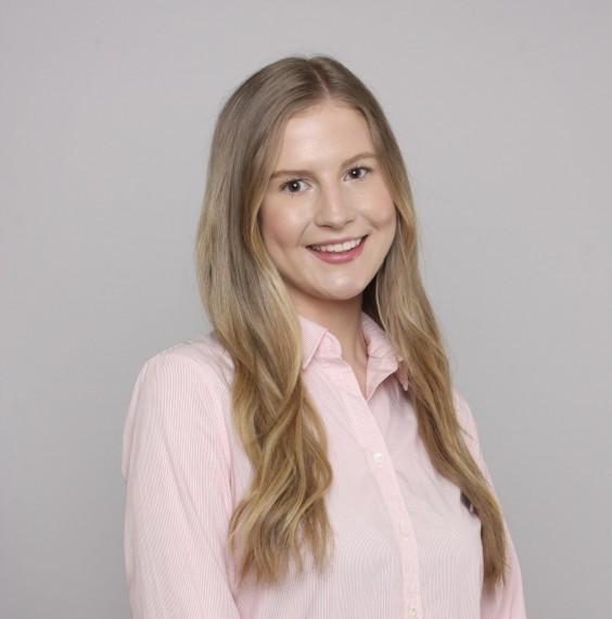Olivia Dobson headshot